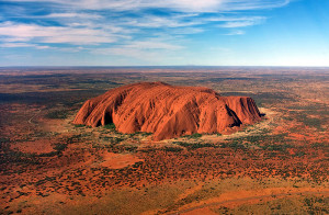 Uluru,_helicopter_view,_cropped
